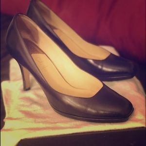 COLE HAAN - Size 9.5 Black leather heels